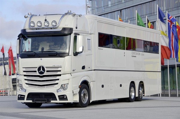 Concorde reisemobile unveils centurion 1200 german rv for Mercedes benz luxury rv