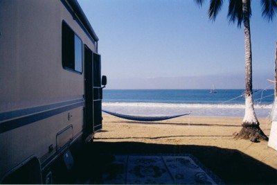 Funny RV – RV on the Beach