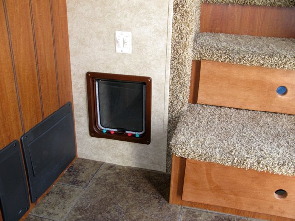How To Install A Litter Box In An Rv These 2 Ways