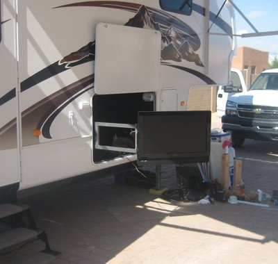 how to add second battery to travel trailer