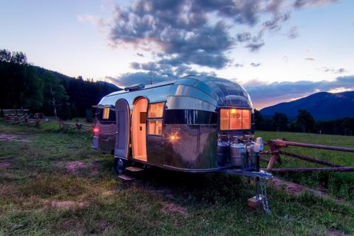 Timeless orvis airstream timeless travel trailers - Unbelievable Airstream Remodel 1954 Flying Cloud Travel