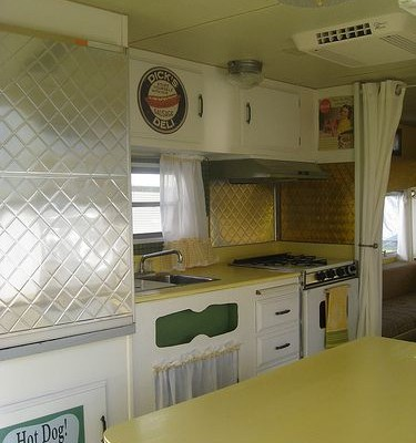 Vintage RV: Restored 1971 Layton Travel Trailer