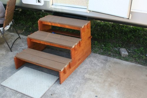 Steps For Rvs : Simple portable rv stairs so easy a year old man can do it