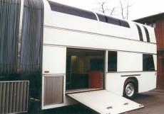 derbus-luxury-motorcoach-1
