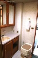 Winnebago-Adventurer-Motorhome-Renovation-before-5