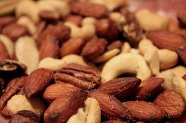 health-road-trip-snacks-mixed-nuts