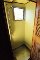 houstruck-rv-shower