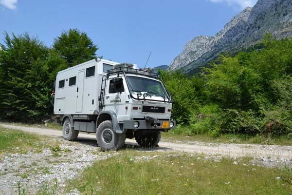 box-truck-rv-conversion-featured