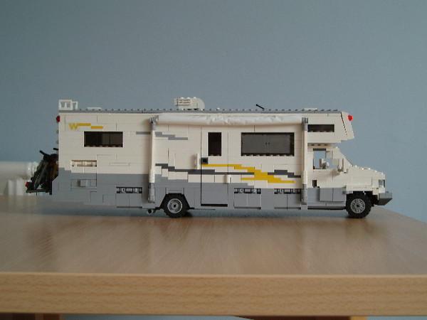 Amazon.com: LEGO City Great Vehicles 60057 Camper Van ...