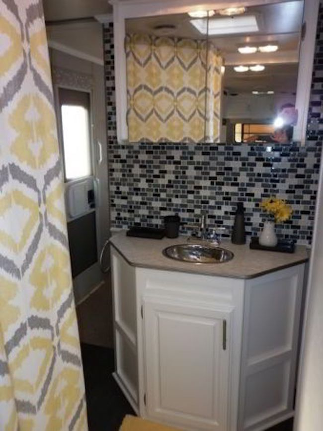 Year Old Jayco Travel Trailer Gets Interior Decor Makeover - Travel trailer bathroom remodel