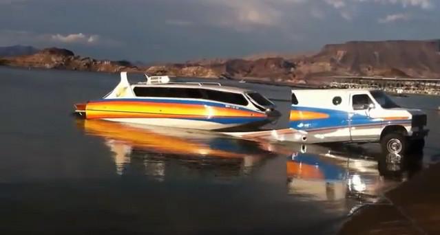 boaterhome-rv-boat-combo-2