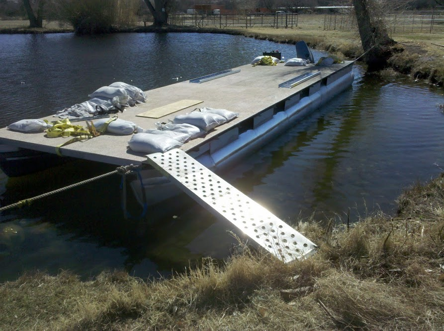 making of chalet pontoon boat yknot