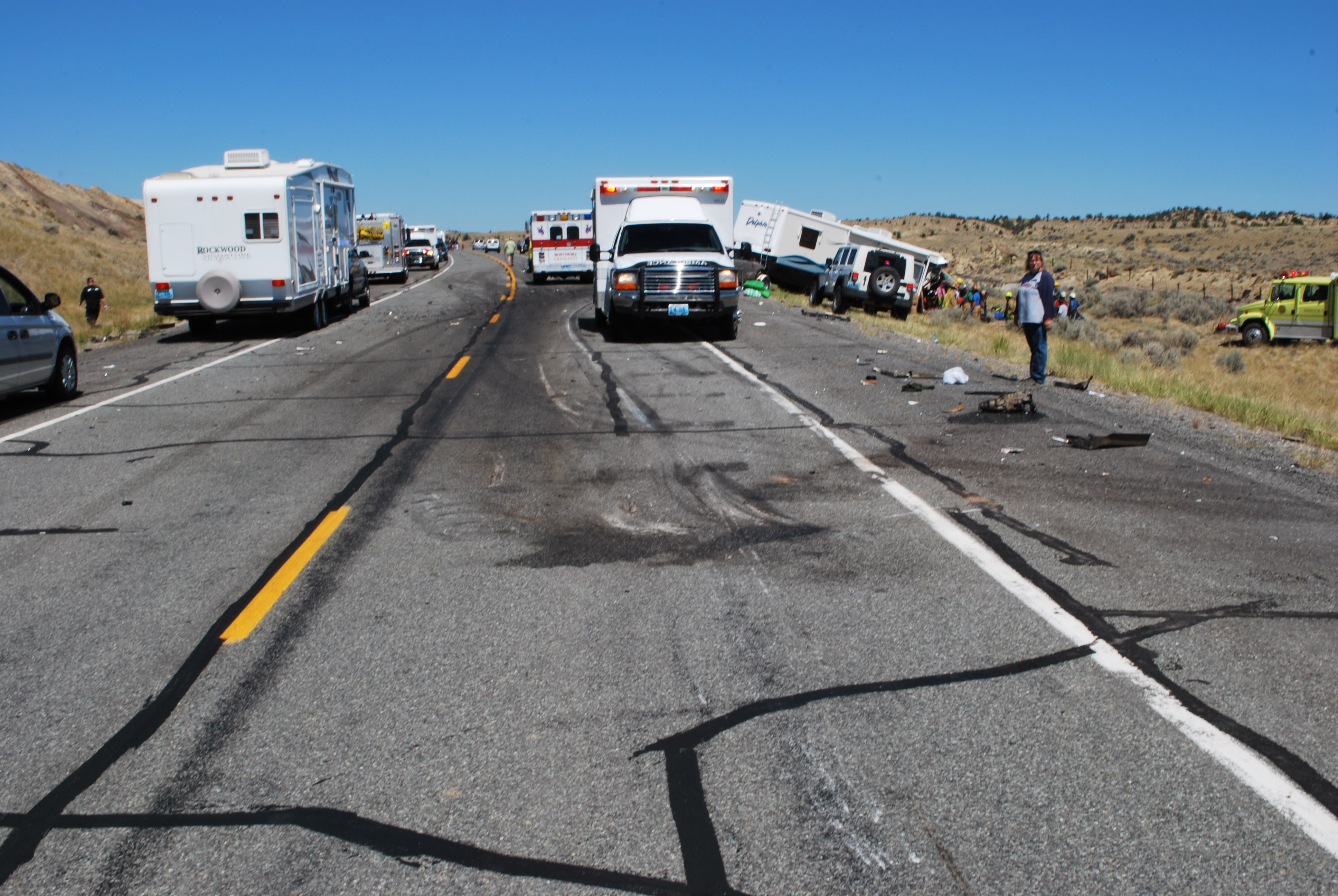 motorhome and suv collide head on
