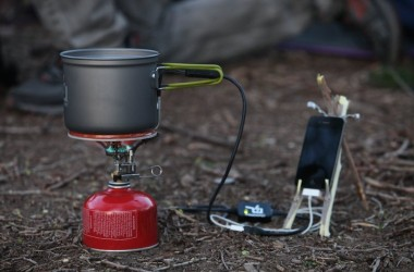 How to Charge Your Cell Phone From a Pot of Boiling Water