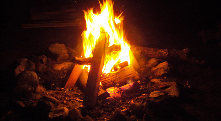 Campfires Make You Feel Good. Learn How to Make One Better Than Your Neighbors.