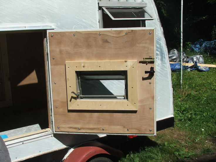 solid construction on this camper door