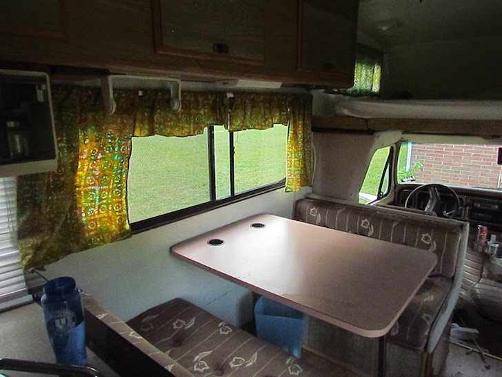 Dining room in a Tioga motorhome