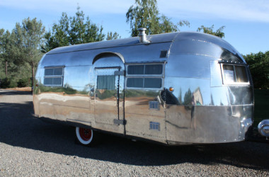 See This Professionally Restored 1948 Curtis-Wright Model 5 Trailer.