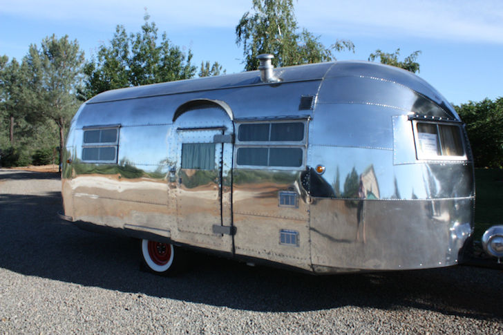 This 1948 Curtis Wright Model 5 Trailer Even Has A Bathroom