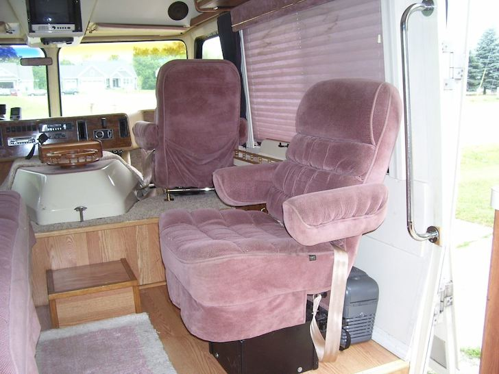 Cabin chair in the 1988 Amera Coach Amera Cruiser
