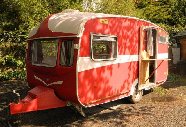 Castleton Caravan
