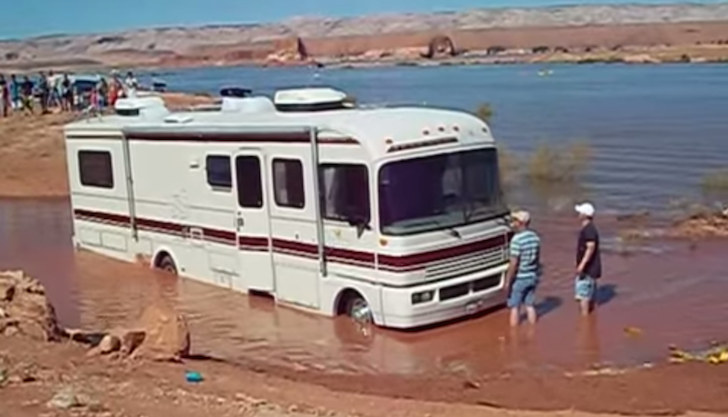 This Driver Tried Driving A Motorhome Through A Mud Pit