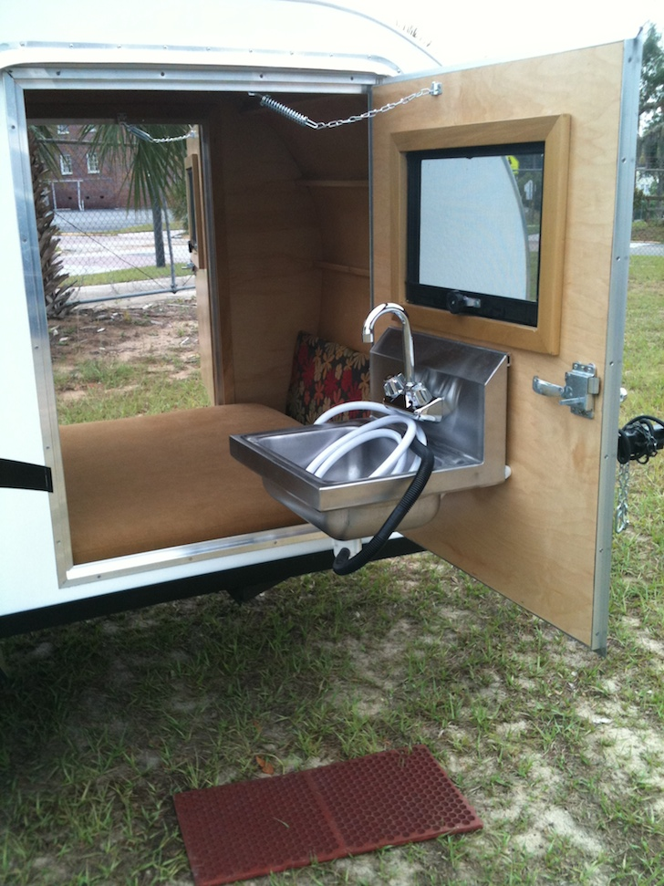 Cozy Simple Sleeper Teardrop By Trekker Trailers Sleeps Two