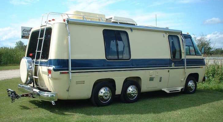 1977 GMC Birchaven Motorhome With Pergo Flooring And Cherry Wood Cabinets
