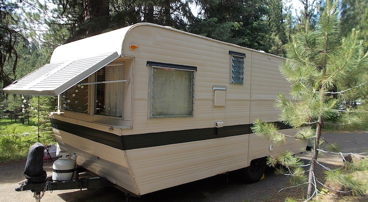Spectacular 1959 Kenskill Trailer Brought Back To Its Former Glory