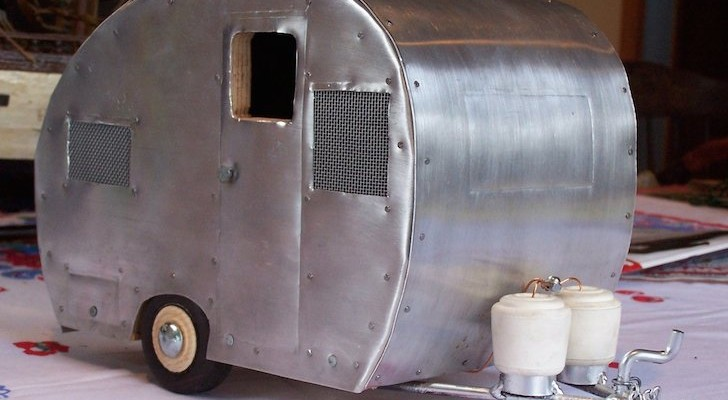 This Camper Bird House Is Based On A Real Life 1953 Bell Trailer