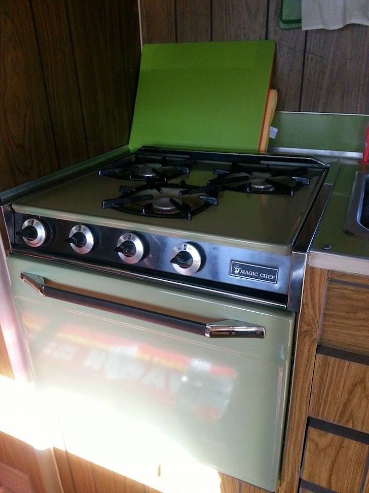Magic Chef stove