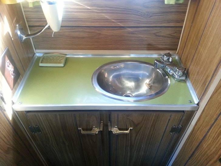 Sink in the washroom