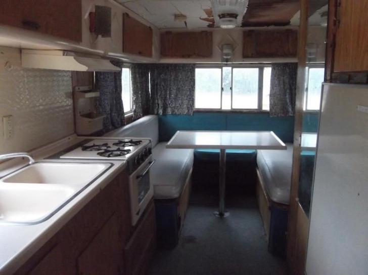 Inside-a-Chinook-camper