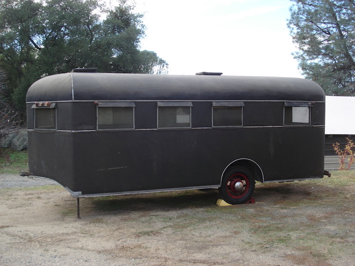 Vintage Travel Coach Deluxe Trailer