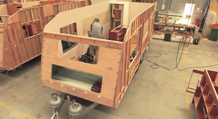 Mesmerizing Time-Lapse Build Of An Australian Concept Caravans Camper