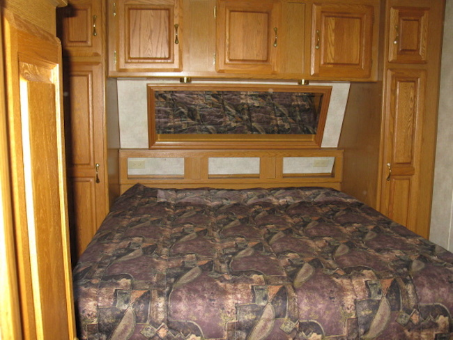 RV bedroom before renovation