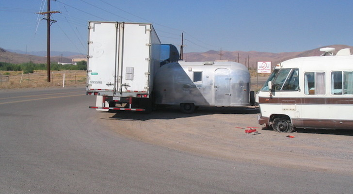 Semi-trailer-hitting-Airstream-trailer