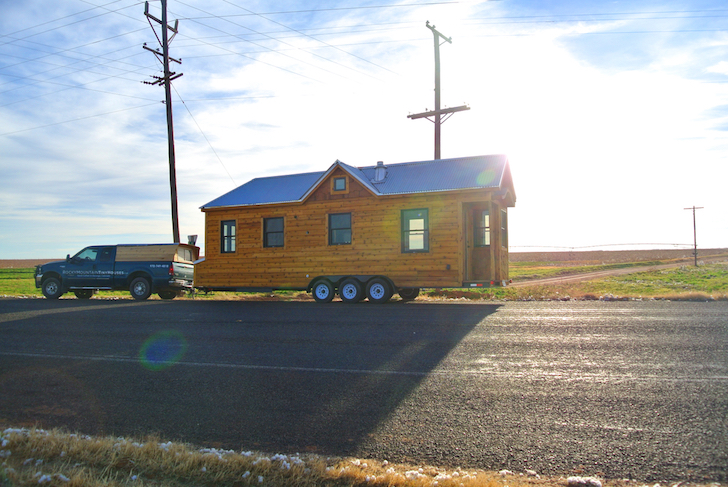 Side profile of tiny house on wheels