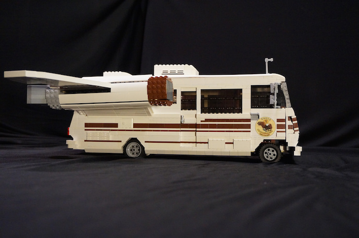 homemade eagle 5 winnebago with wings made from lego