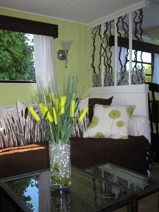 Table setting in renovated RV