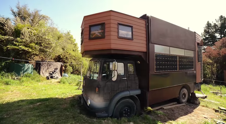 Within Seconds, This House Truck Turns Into A Stunning Castle-Like Structure