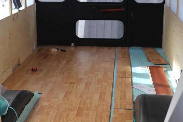 Click lock flooring system