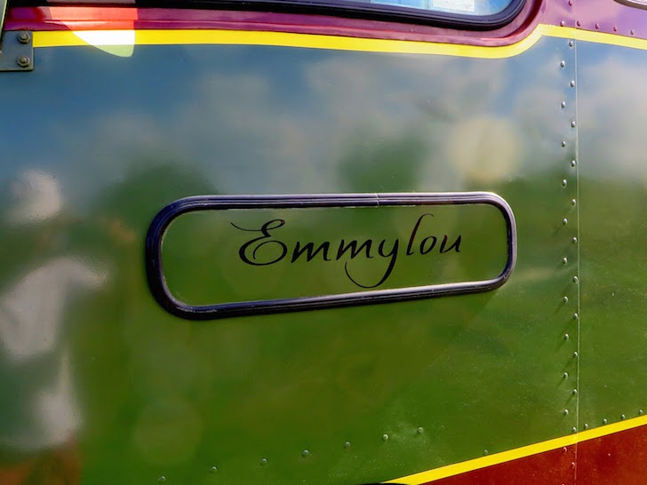 Emmylou bus conversion