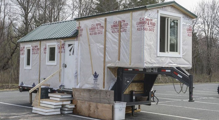 A College Senior Is Building This Gooseneck Tiny House In A Parking Lot