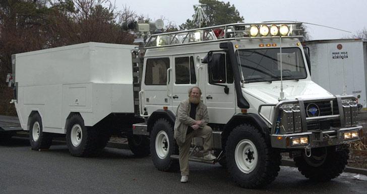 MaxiMog large tow vehicle
