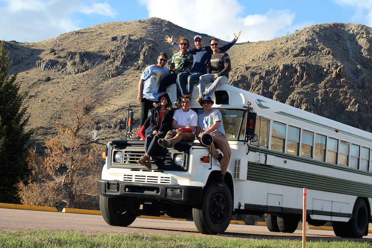 6 Australian Friends Made A Skoolie For An Epic US Road Trip
