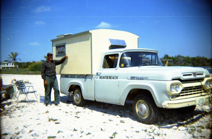 Retro truck camper