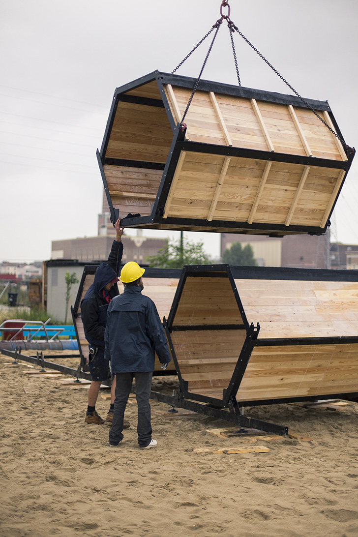 BandBee-festivalpods-construction
