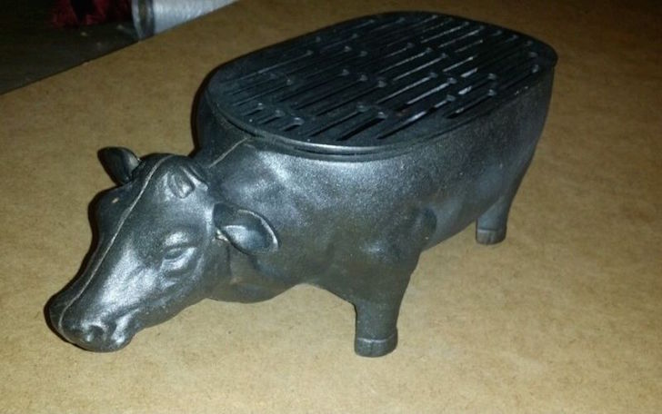 Cast iron cow grill