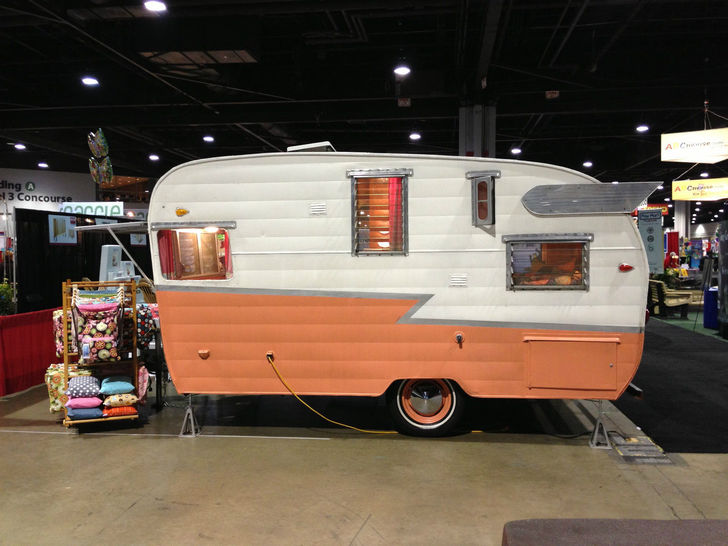 1961 16 Foot Shasta Airflyte Camper Trailer
